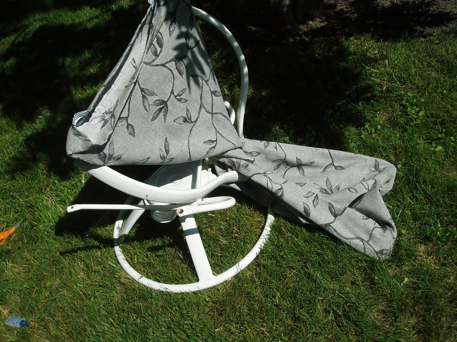 recovering lawn chairs folding chair covers and sashes sew what 39s happening part 2