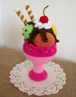 http://liliacraftparty.blogspot.com/2018/06/ice-cream-sundae-amigurumi-crochet.html