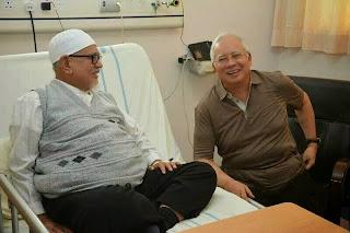 Image result for Najib melawat Hadi di hospital