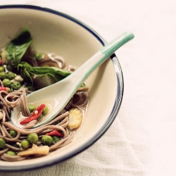 warm, spiced, vegetarian soba soup recipe