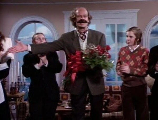 Frasier - Season 1 Episode 19: Give Him the Chair!