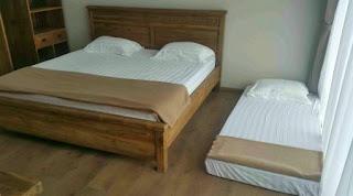 Tempat Tidur 8 Di Lantai 2