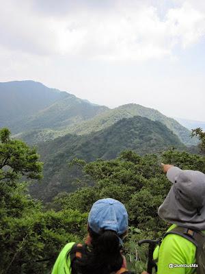 Observando la Sierra del Tecuán y la Sierra del Travesaño