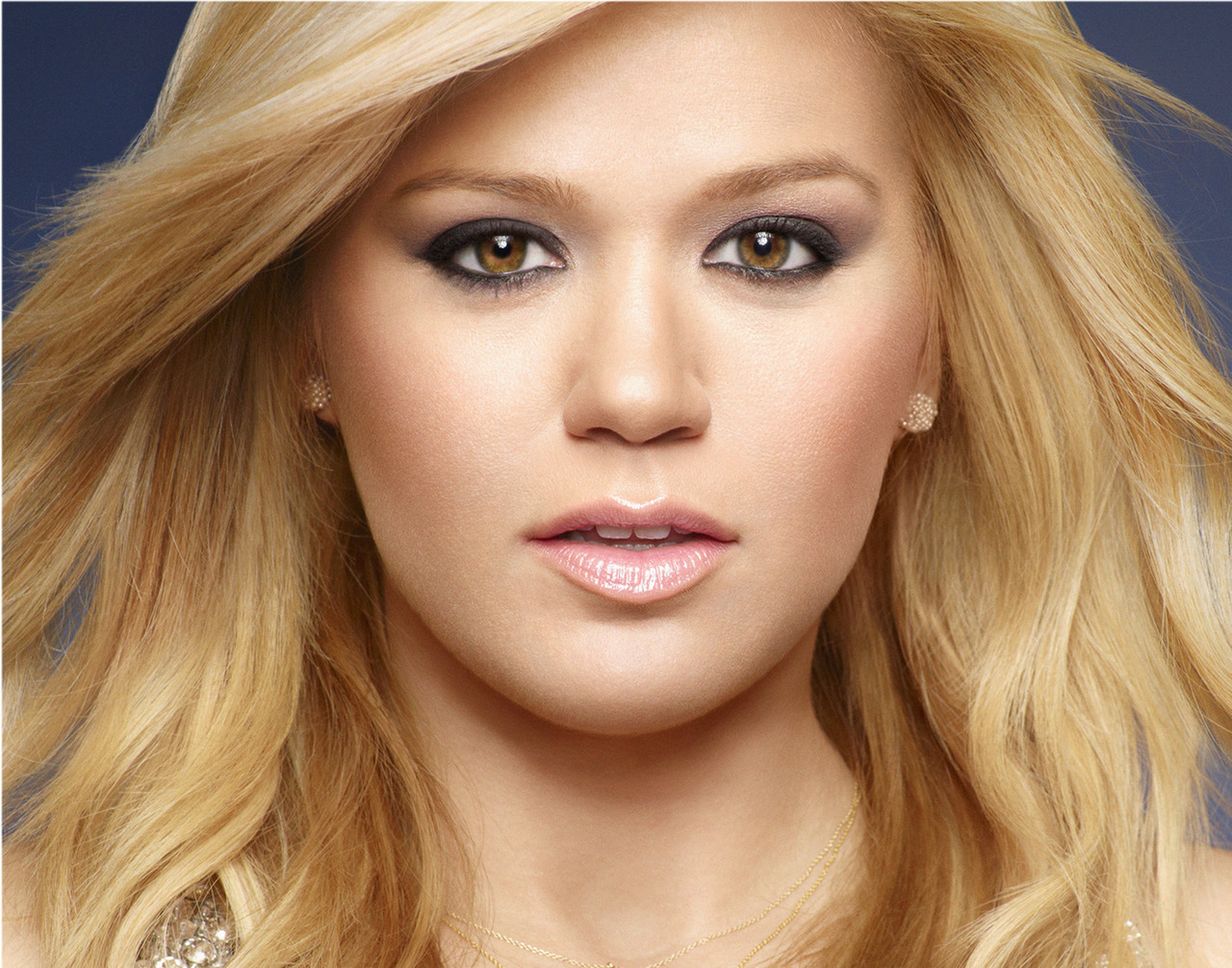 The Power Of Pop {P-O-P}: [Nouveau] Kelly Clarkson