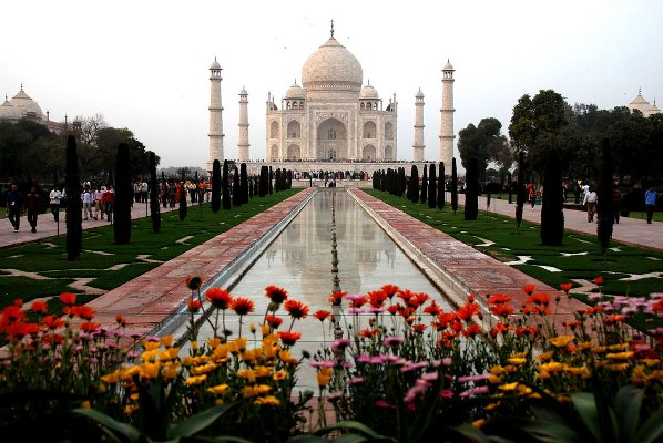 Taj Mahal Pictures Scenic Travel Photos: Beautiful Places Of The World: 2011/06