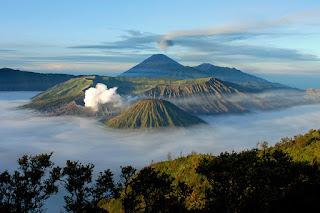 foto pemandangan gunung bromo