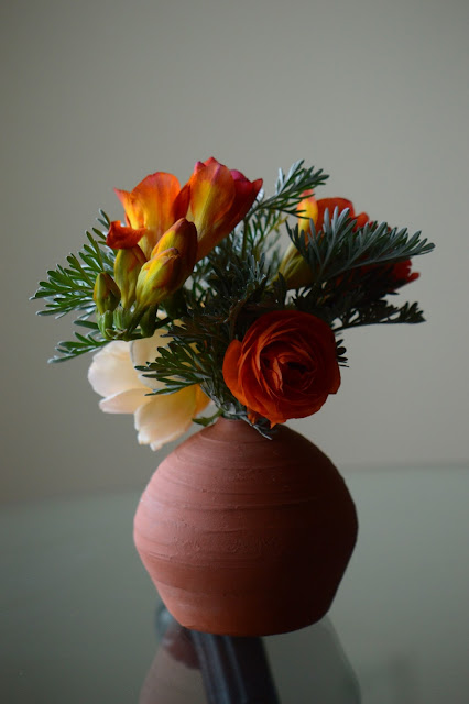 monday vase meme, amy myers, small sunny garden, desert garden, flower arrangement