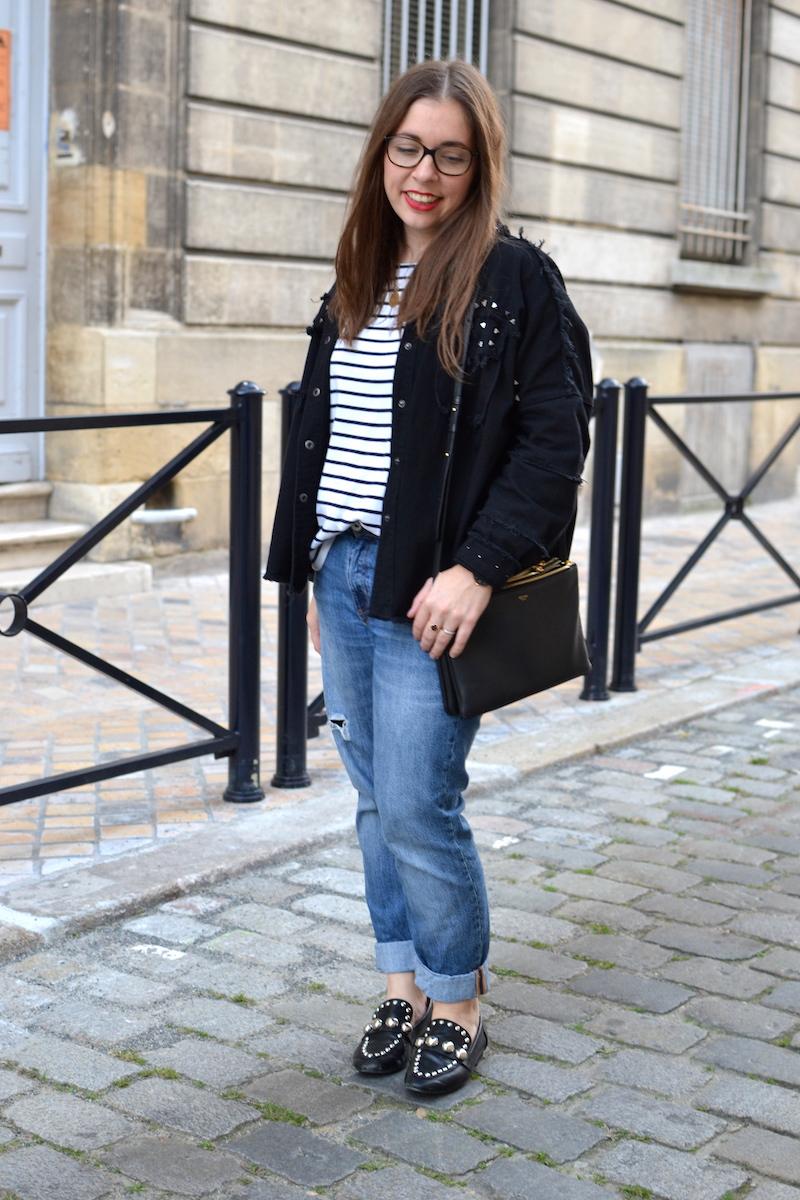 mariniére H&M, veste en jean noir clouté Shein, jean boyfriend H&M, mocassin à clou Vanessa Wu, trio bag Céline