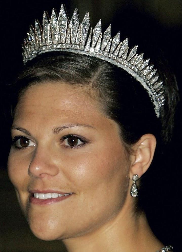 Tiara Mania Queen Victoria Of Sweden S Baden Fringe Tiara