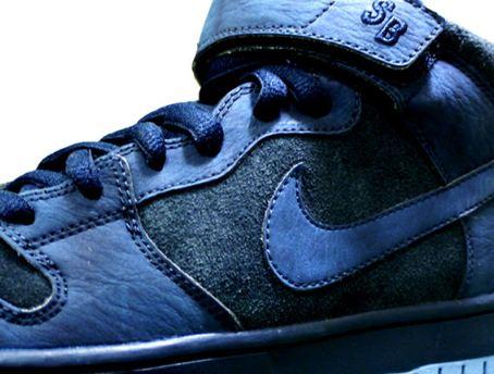 cf2877238095 THE SNEAKER ADDICT  Nike SB Dunk Mid Sneaker W  Strap Returns Fall 2012