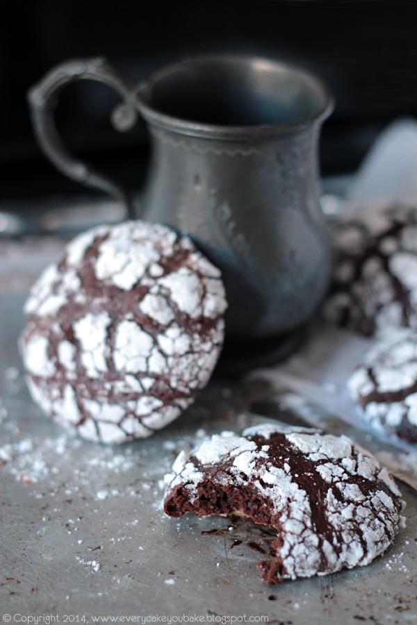 popękane ciasteczka z czekoladą, melasą i imbirem
