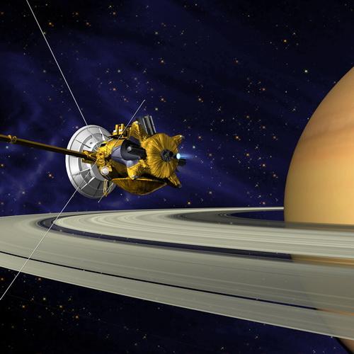 Tinuku Cassini has started work hard before falling onto Saturn surface