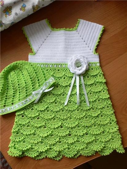 935dd8dbc86a5 من اجمل فساتين الكروشية للبنوتة الصغيرة. بترونات الفستان الابيض الجميل.  بترون الفستان الصيفي الجميل