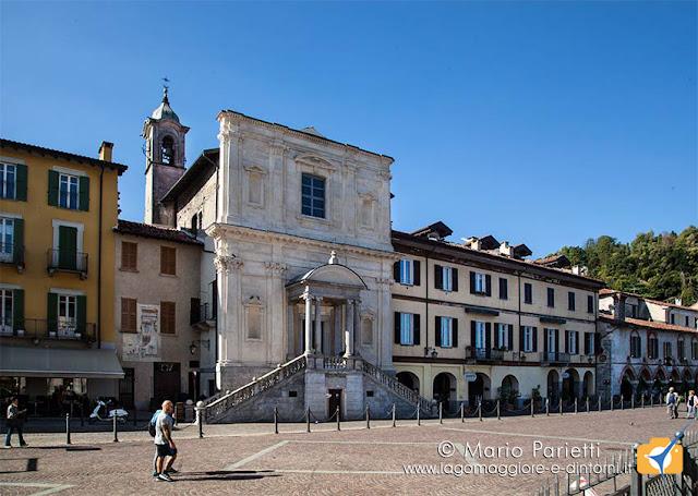 Piazza del Popolo con chiesa di santa Marta