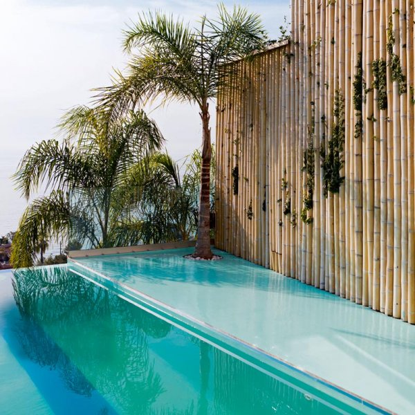 Que pour le plaisir de nager dans une belle piscine - Nager dans une piscine ...