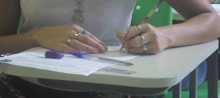 Dik13 Escrevendo e Estudando