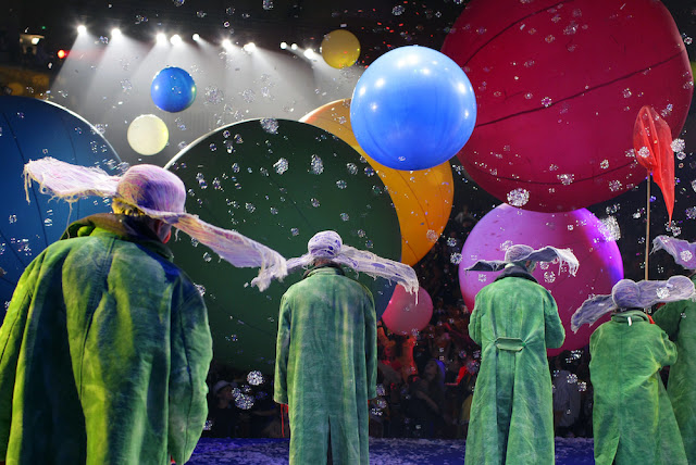 Slava's Snowshow - Photo by Vladimir Mishukov