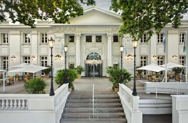 Entrada do Park Hyatt Mendoza Hotel, Casino & Spa em Mendoza