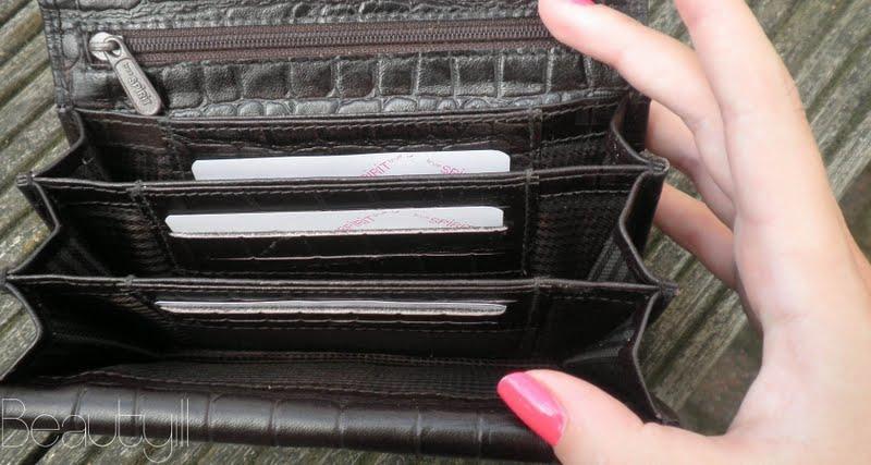 801cc7110e8 Budget portemonnee, visitekaartjes/passenhouder Kruidvat - Beautyill