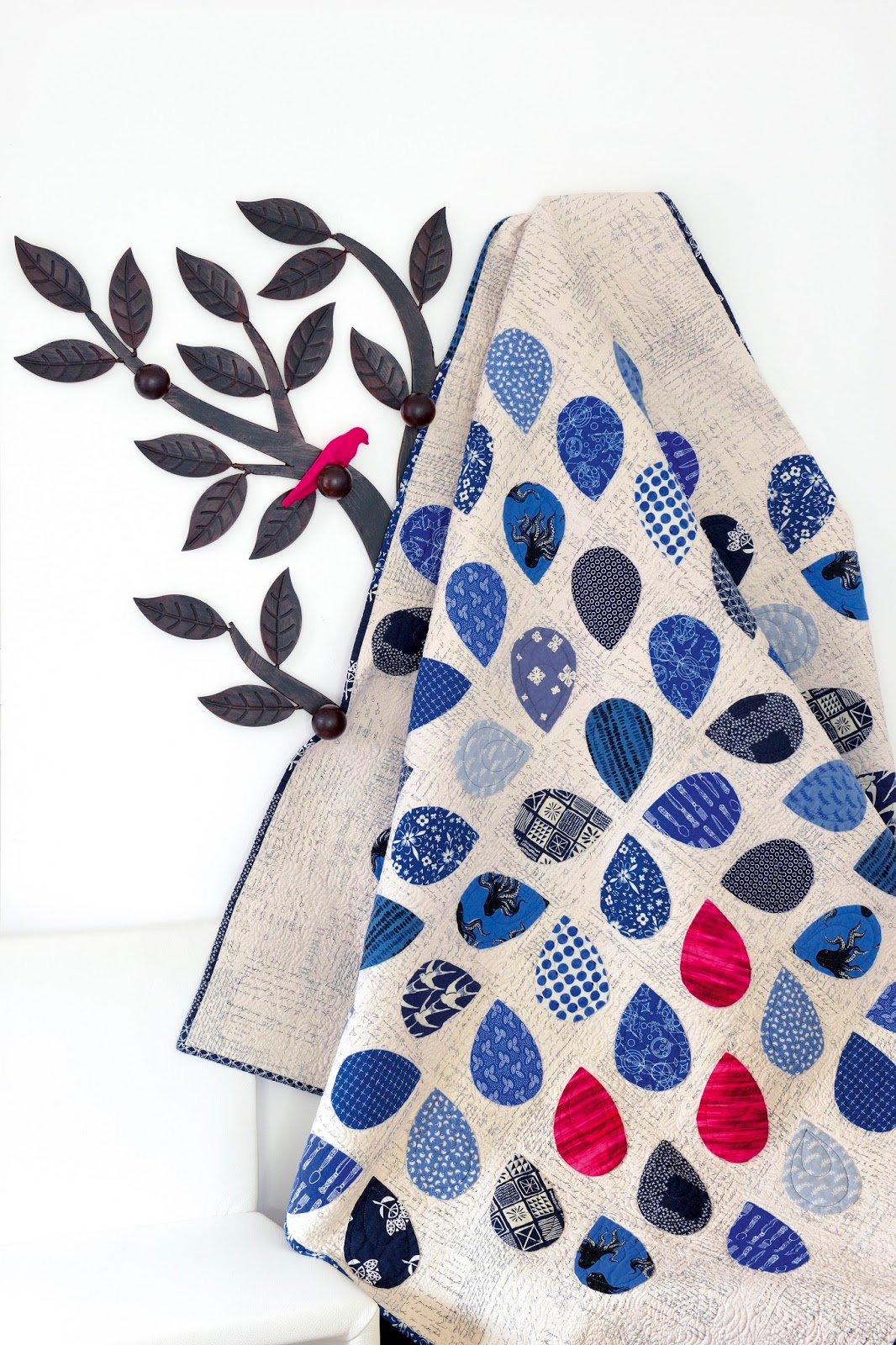 Moderne Quilts Eye Candy Quilts Behind The Blue Dahlia