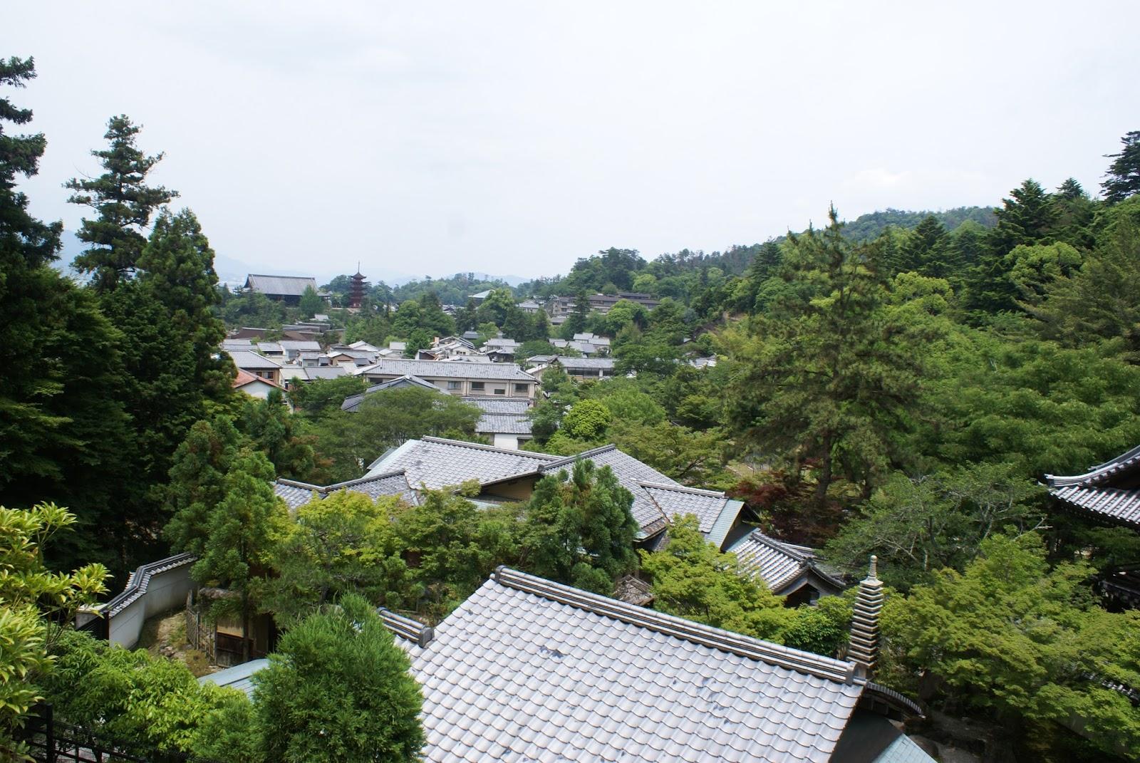 miyajima itsukushima japan pagoda gojunoto