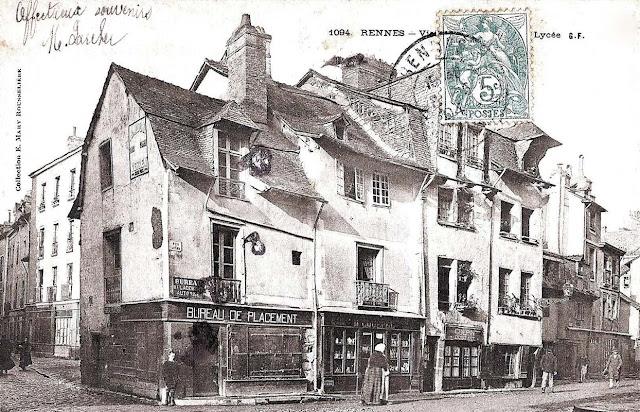 La rue Vasselot à gauche... et la début de la rue du Lycée... En 1904 !