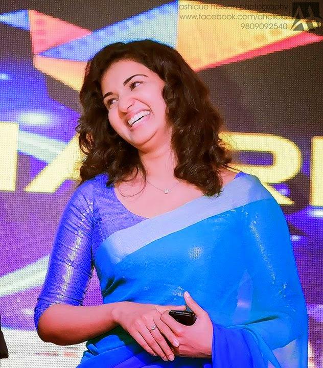 Honey Rose Real Life Hot Sexy Saree Photos Malayalam