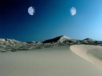 Şakkı Kamer, çölde gökyüzünde ikiye ayrılmış ay görüntüsü