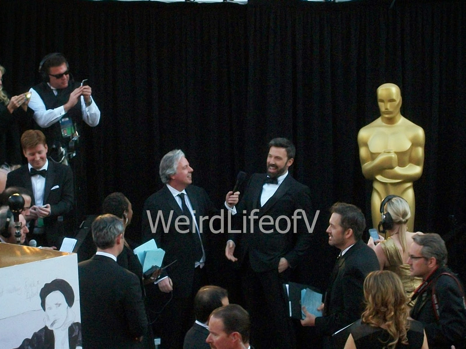 Ben Affleck being interviewed by Chris Connelly at the 2013 Oscars