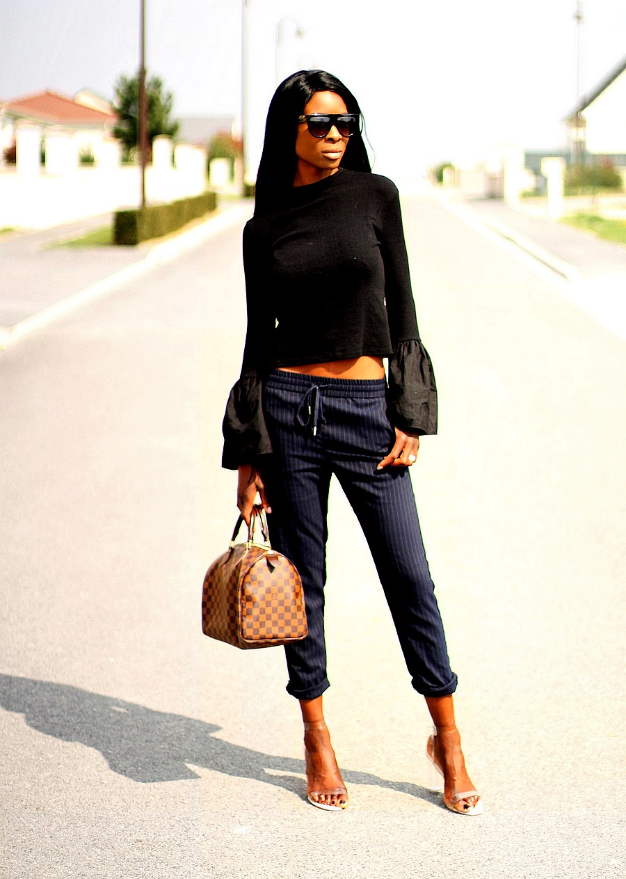 style-blogger-louis-vuitton-speedy-damier-ebene-bag-joggpants-bell-sleeves-crop-top