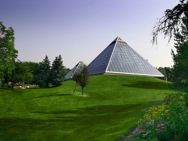 Muttart Conservatory em Edmonton
