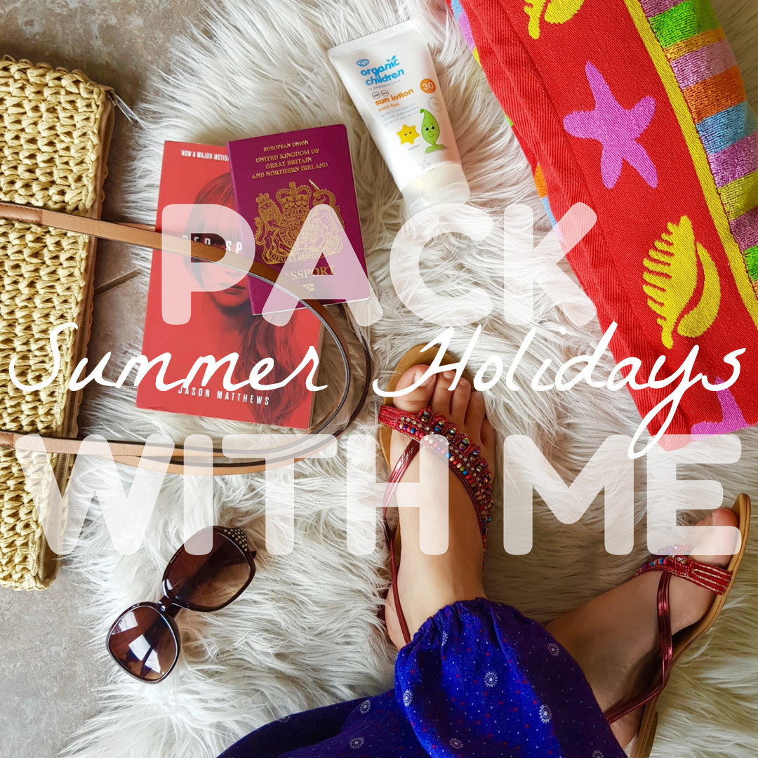 holiday packing guide checklist essentials summer travel
