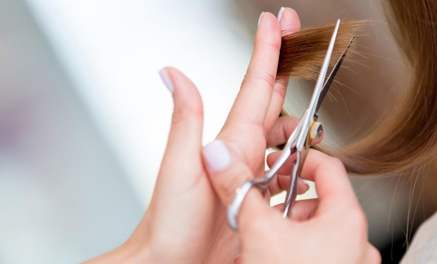 Potong ujung rambut secara berkala