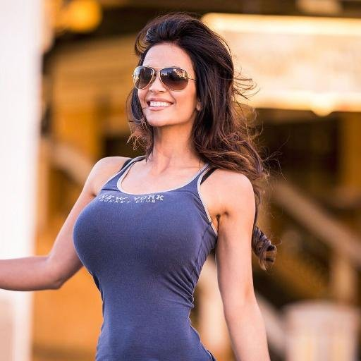 denise-milani-in-goggles