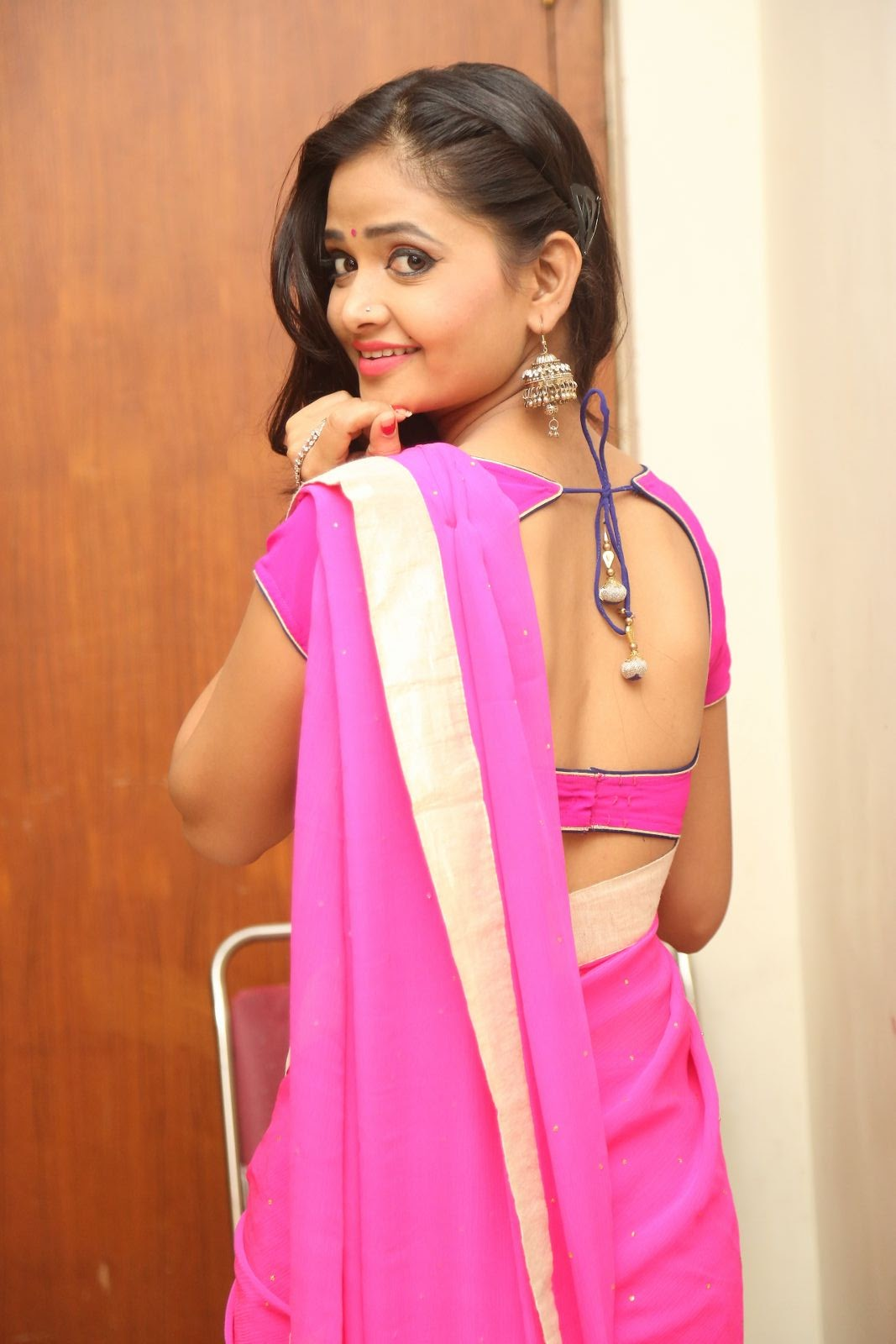 models hot photos in saree