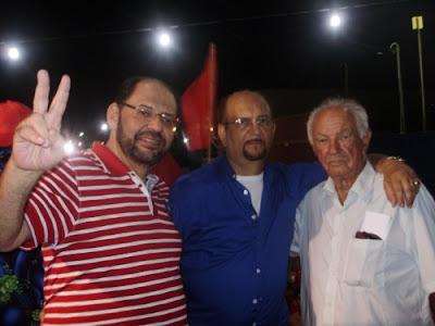 Resultado de imagem para fotos do deputado gustavo carvalho com vava de barcelona