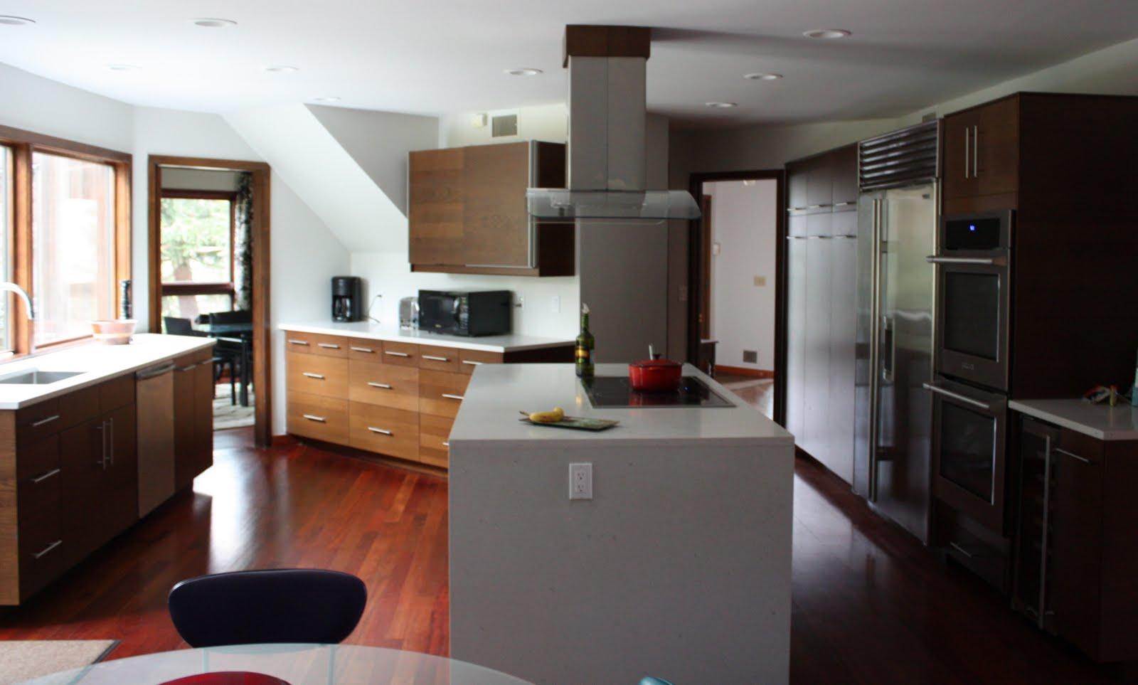 Carrera Kitchen Table
