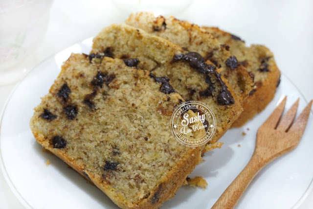 Greek Yogurt Chocochips Banana Bread