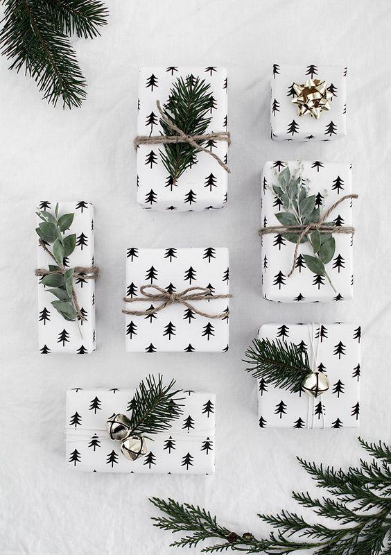 PRINTABLE CHRISTMAS WRAPPING PAPER