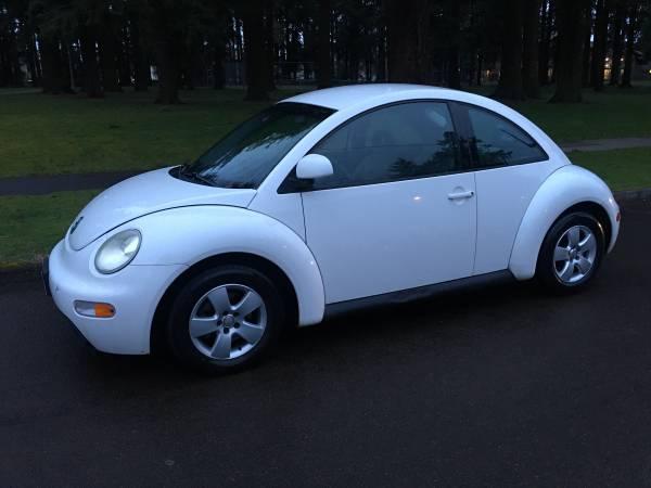 1999 VW White Beetle