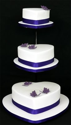 Gallery of Wedding Cakes Eyecatching Heart Shape Wedding Cakes Pictuers