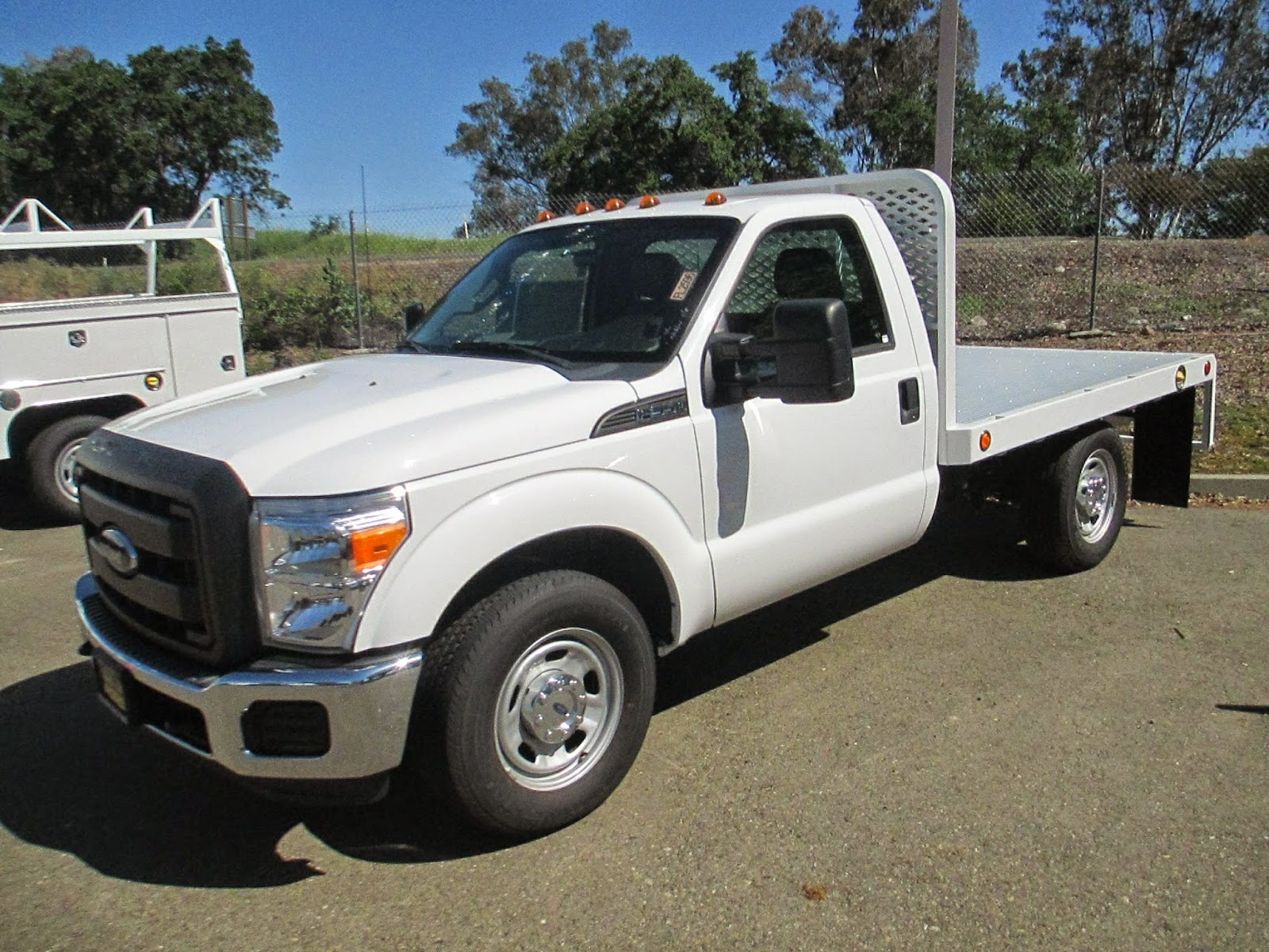 2014 Ford F250 Diesel >> Commercial Truck Success Blog: Very Useful Single Rear Wheel Flatbed