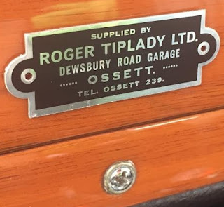 Roger Tiplady Ltd dealer badge