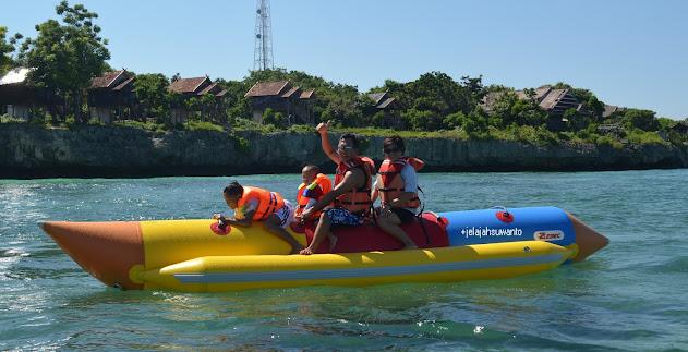 Aktivitas di Tanjung Bira