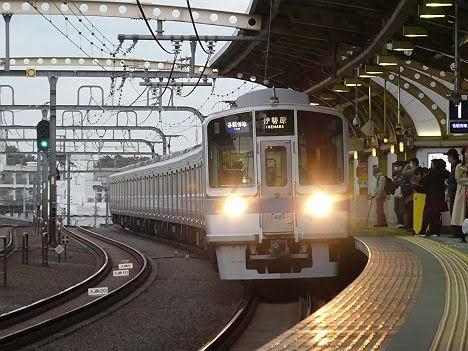 小田急線 各駅停車 伊勢原行き6 1000形