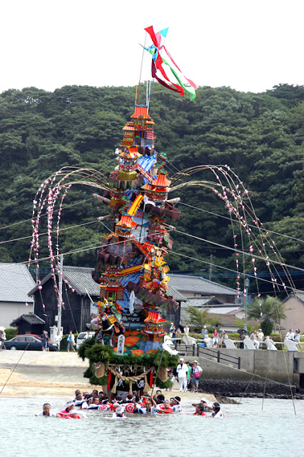 Kodomo Gionsai (float over the Ocean) at Yobuko, Karatsu City, Saga Pref.