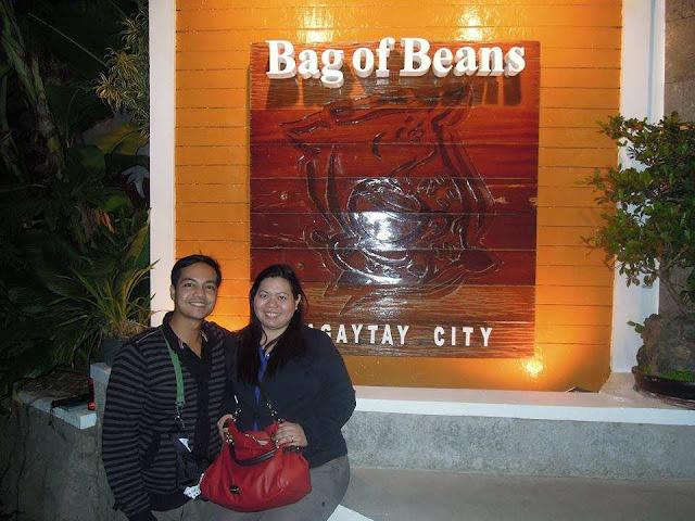 Couple travel blogger at Bag of Beans Tagaytay