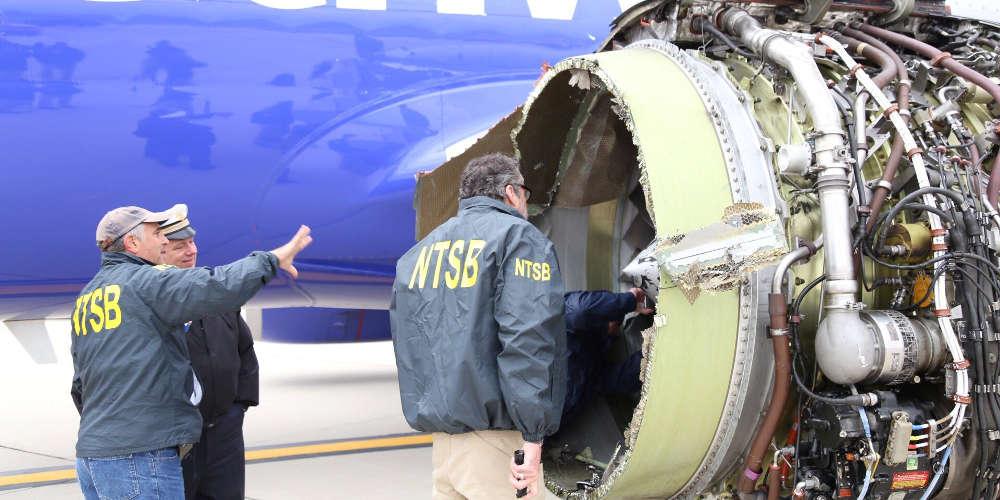 Πτήση τρόμου με μία νεκρή: Εξερράγη ο κινητήρας και την ρούφηξε το παράθυρό της!