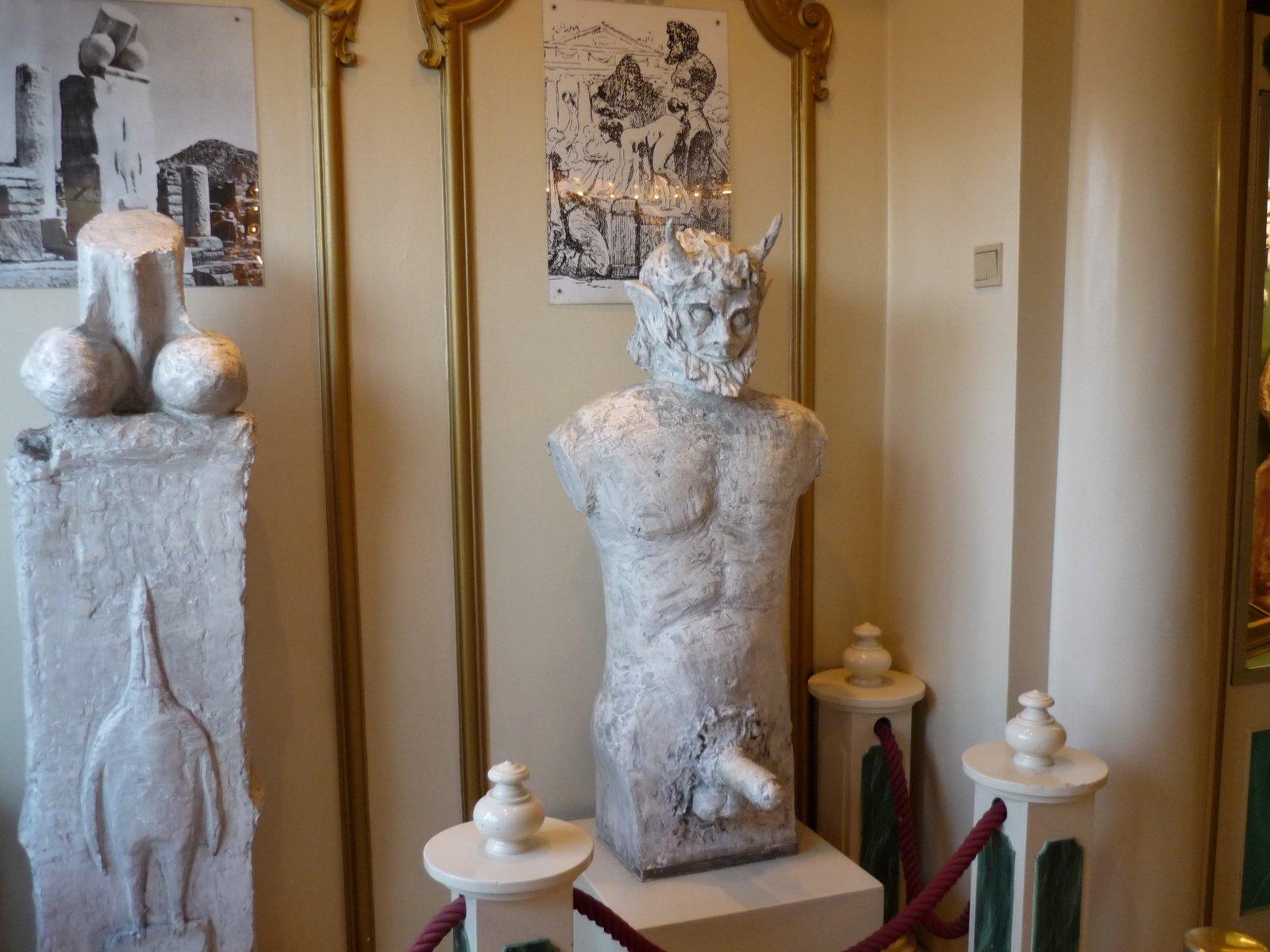 P1010007 - Wisata Museum Erotis Dunia, Pantang Untuk Didatangi Anak Bawah Umur!