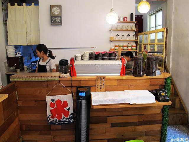 IMG 0226 - 【台中美食】窩巷 hidden lane 隱藏在巷弄間的甜點店 |咖啡 | 甜點|巷弄美食|蛋糕|藍梅塔|台中甜點店|老屋甜點|下午茶|
